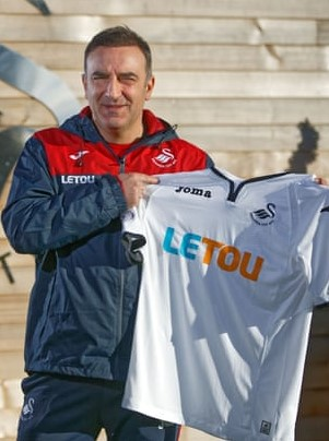 You are currently viewing Carlos Carvalhal